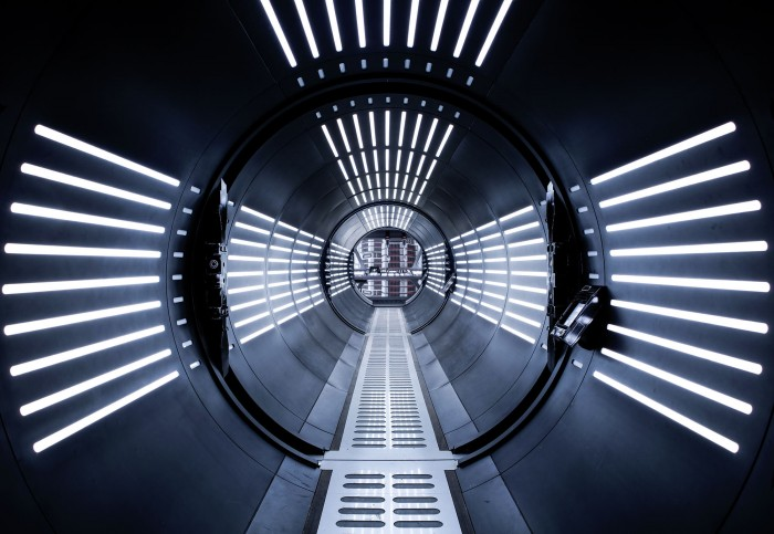 8-455_STAR_WARS_Tunnel_WEB.jpg